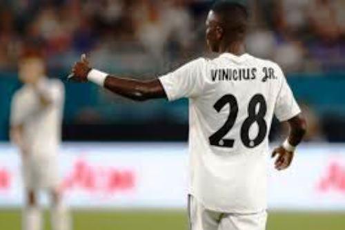 Real Madrid, UFFICIALE si ferma Vinicius: quanto starà fuori il brasiliano?