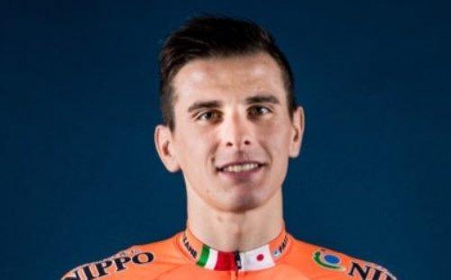 Ciclismo, Giro d'Italia: vittoria per Damiano Cima che beffa in volata Pascal Ackermann