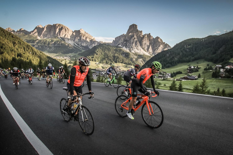 Maratona dles Dolomites, 319 ciclisti al via della 34° edizione
