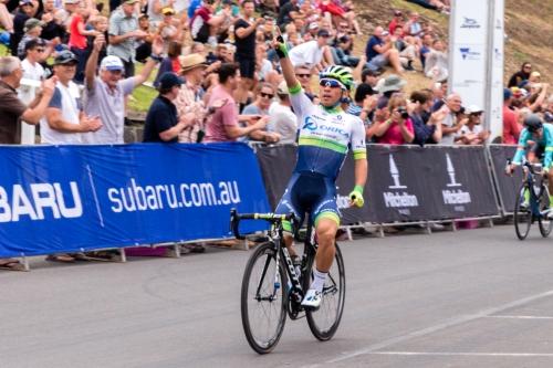 Ciclismo, Tour de France 2019: Caleb Ewan si aggiudica la sedicesima tappa beffando in volata Viviani