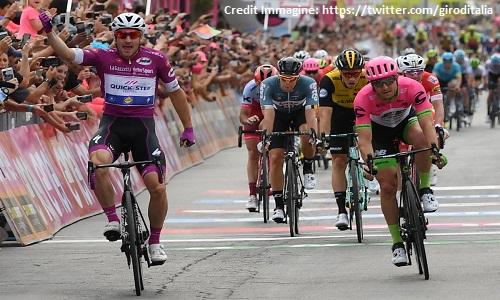 Giro d'Italia 2018, 3a tappa: Viviani concede il bis in volata
