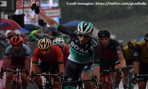 Giro - Cerny vince la