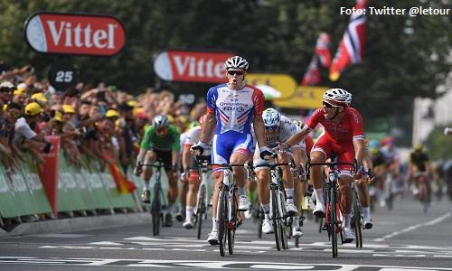 Giro d'Italia, tappa 6: bis per Demare, Almeida resta in rosa