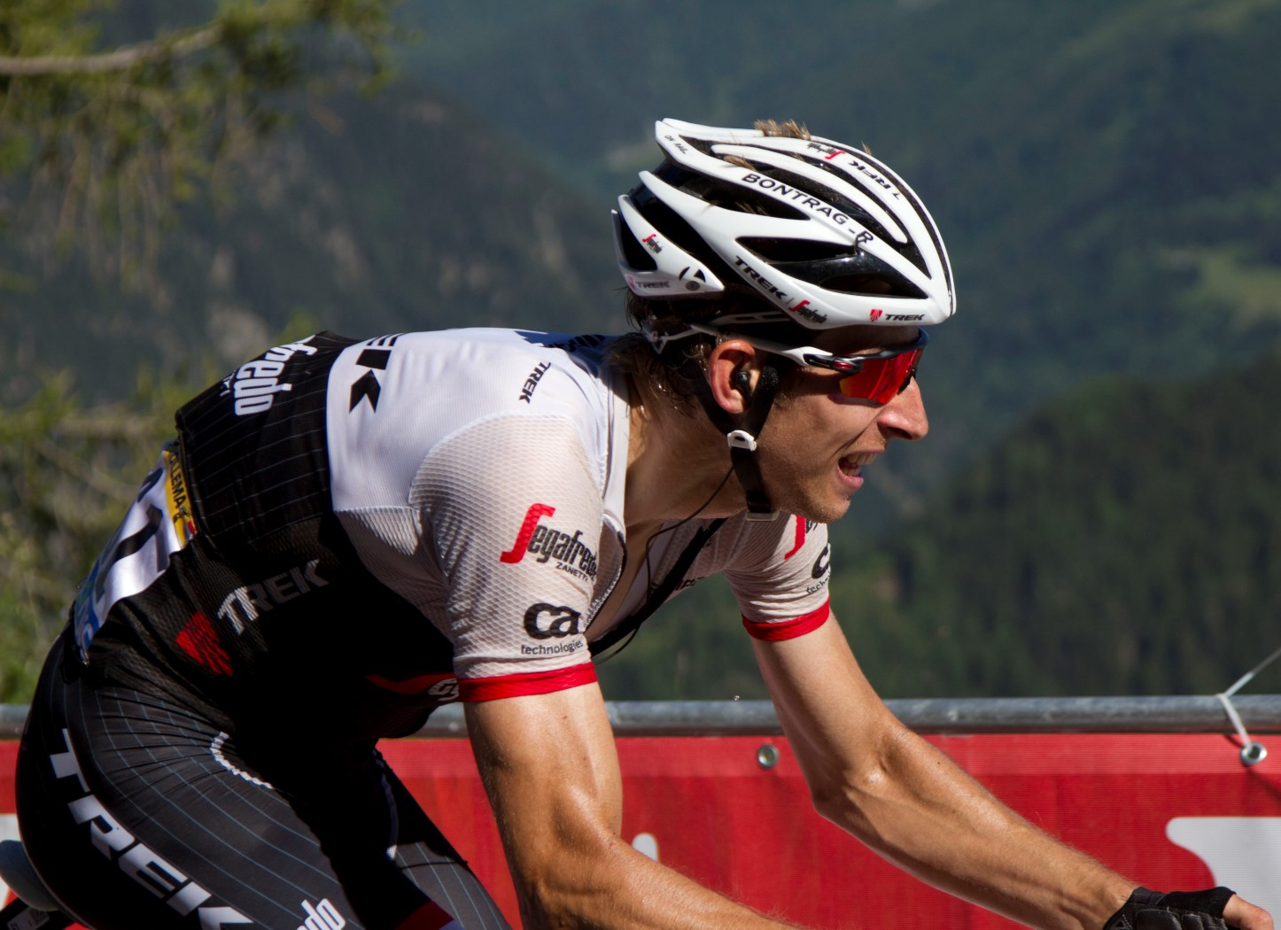 Giro di Lombardia, Mollema sorprende i big. Male gli italiani