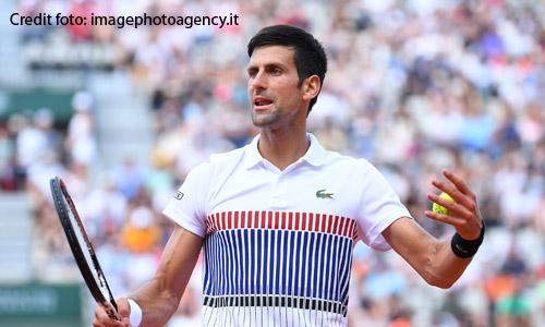 Tennis: esordio ok per Djokovic, regolato Isner in due set