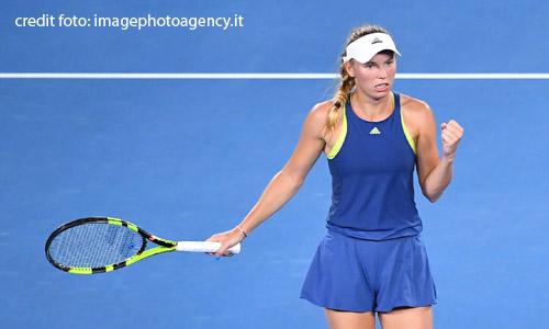 Tennis, Wozniacki shock: