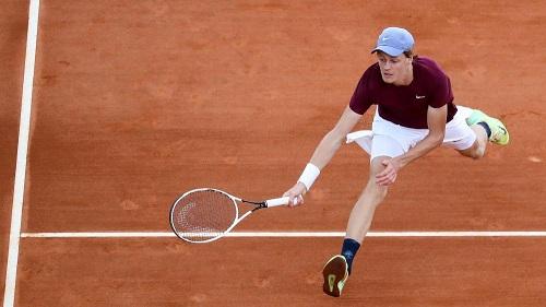 Internazionali Roma: Sinner batte Humbert, al secondo turno sfida Nadal