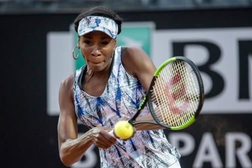 Tennis: Venus Williams tira un sospiro di sollievo